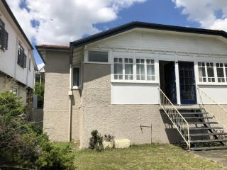 View profile: Location, location, location - 3 bedroom duplex